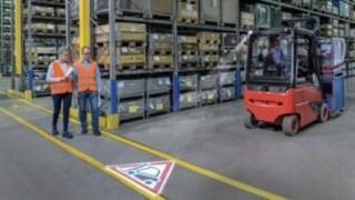 Linde-truckspot-moving-01