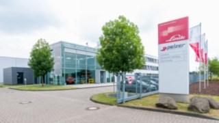 Besucher im Headquarter-Gebäude von Linde in Aschaffenburg